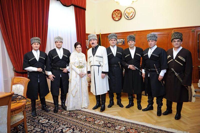 Про чиновников республика дагестан отыскать прямых