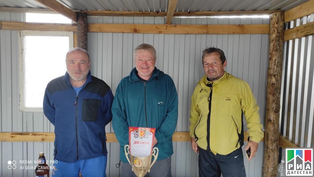 Альпинисты-ветераны проложили новый горный маршрут в Докузпаринском районе